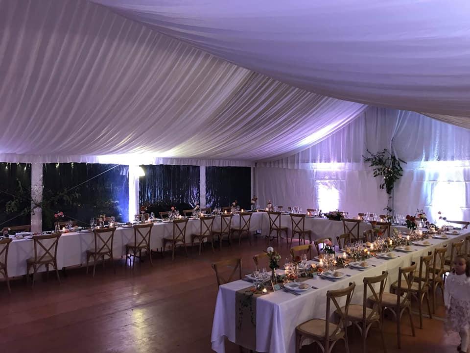 Comment décorer un chapiteau pour un mariage? à Amboise et Tours | JST Events